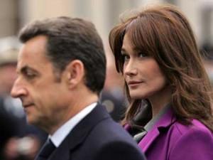 Carla Bruni ha paura che Sarkozy possa morire perché lavora troppo. O c'è altro?